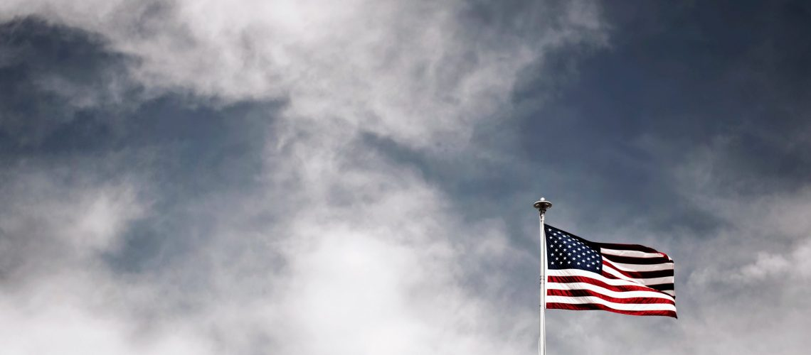 flag-of-the-usa-on-a-pole-1709929